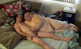 fat-amateur-babe-wants-a-hard-cock-filling-her-tight-pussy