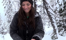 Delightful Young Babe Reveals Her Oral Abilities In The Snow