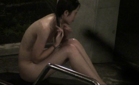 petite-oriental-girl-puts-herself-on-display-in-the-shower