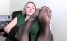 beautiful-amateur-blonde-putting-her-sexy-feet-on-display