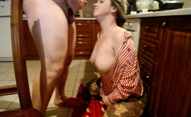 ravishing-blonde-camgirl-with-big-hooters-gets-facialized